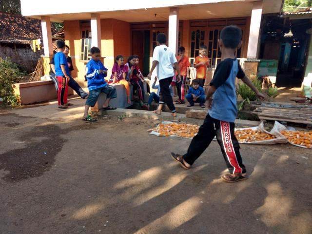 Muhammad daffa niti atmojo juara terbaik karate amura surabaya jawa timur indonesia